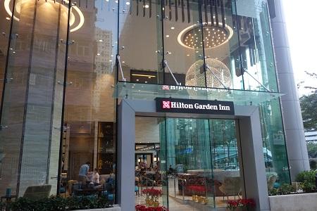 香港ヒルトンのエントランス