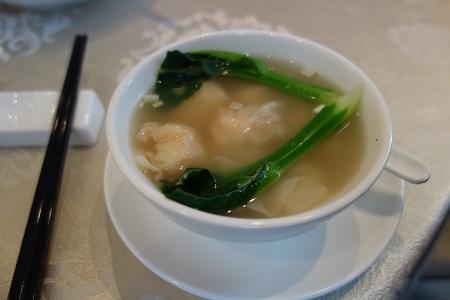 香港でワンタンスープ