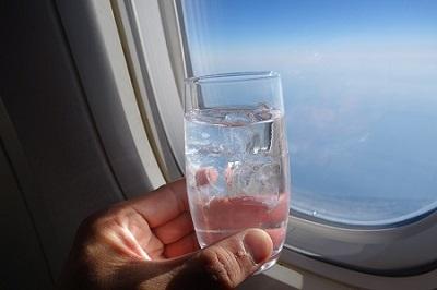 JAL機内で森伊蔵を飲む