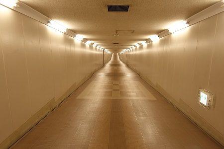 知らなかった!成田空港と東成田駅は地下通路でつながっていた!