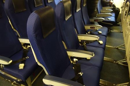 ANAボーイング777の普通席