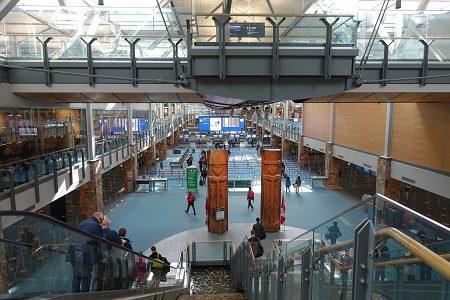 【バンクーバー旅行】空港アクセスとスタンレーパークを自転車で一周。