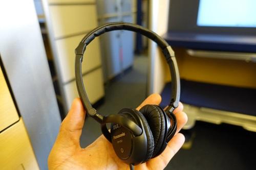 ANAビジネスクラスのヘッドフォン