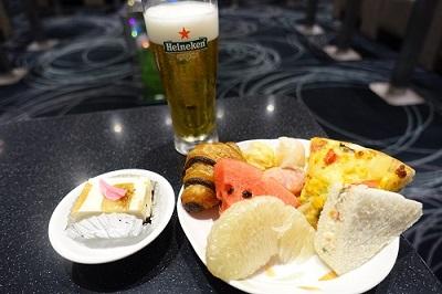 エバー航空ラウンジの食事類