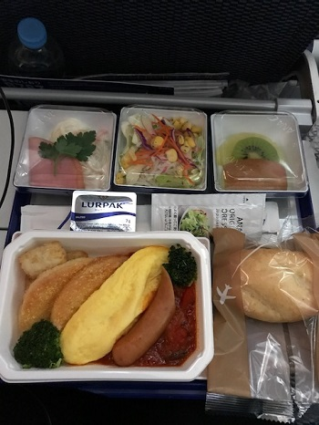 ANAエコノミーの深夜便機内食