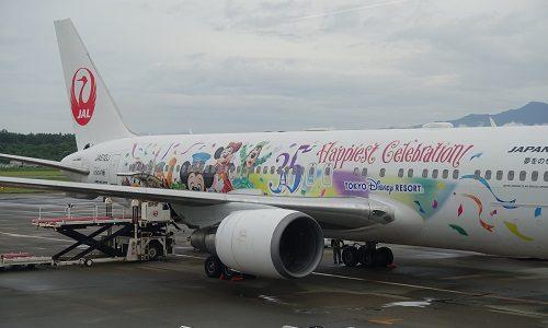 JALとディズニーがコラボした特別塗装機。「ツーリズムEXPO2018」にシートを展示!
