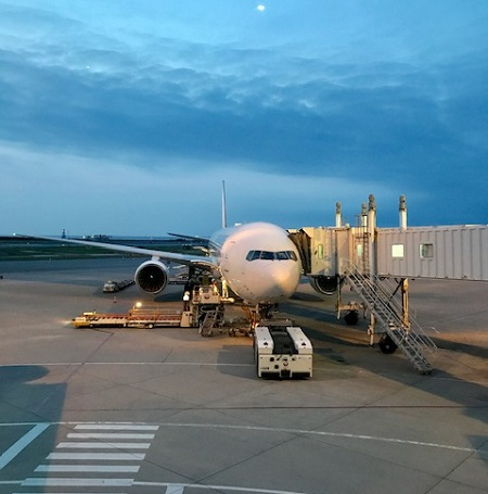 那覇空港のJAL機